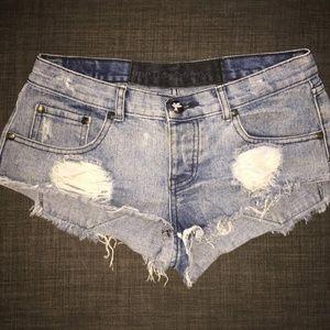 One Teaspoon denim short-shorts. Size 26.